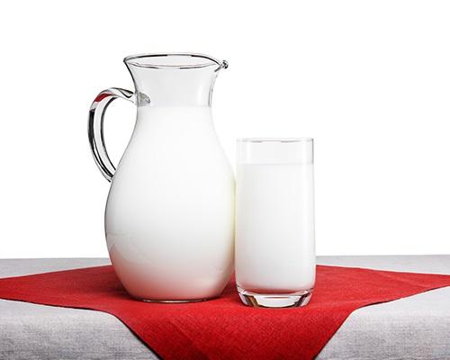 Молоко 3,2 - 4,0% цельное пастеризованное, 750 мл