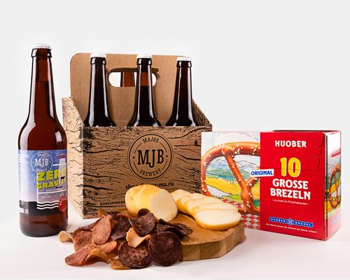Пенная вечеринка насладитесь холодным пивом с ароматными закусками в приятной компании